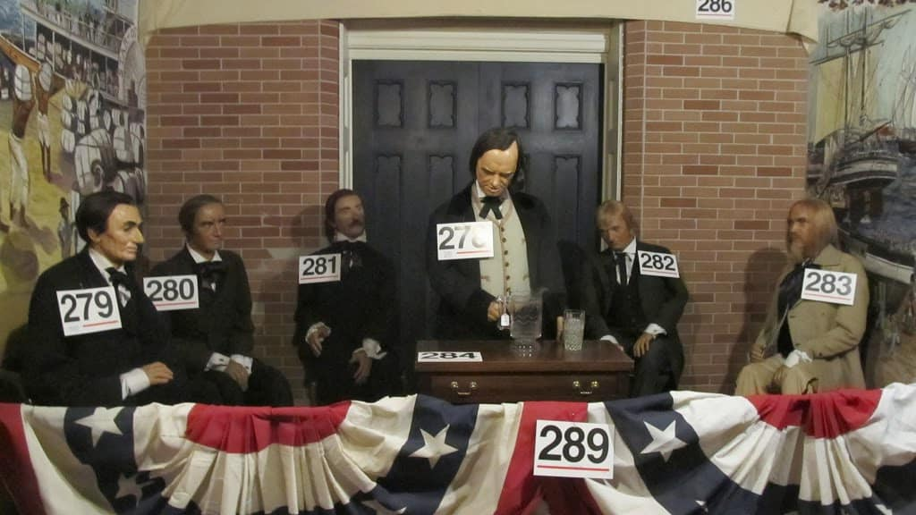 Jessica James visits Wax Museum Civil War auction